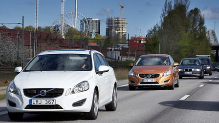 The world's first large-scale autonomous driving pilot project will see100 self-driving Volvo cars d