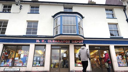 HK Clearance Depot in Cromer announces its closure.PHOTO: ANTONY KELLY