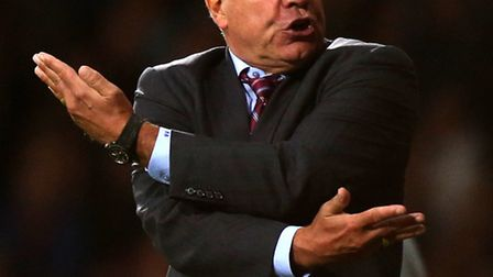 West Ham United's Sam Allardyce is not reading anything into Norwich City's hammering at Manchester
