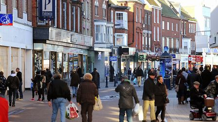 People shopping in Great Yarmouth on the last Sunday before Christmas Day.Great Yarmouth Market Plac