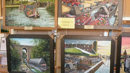 8-9 Cheshire: Daystar canal painting at Audlem