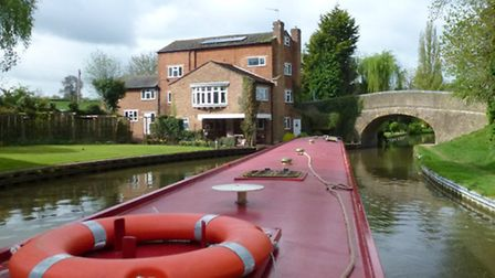 House-along-the-canal