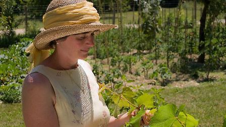 Jacqui grows her own produce © French Village Diaries