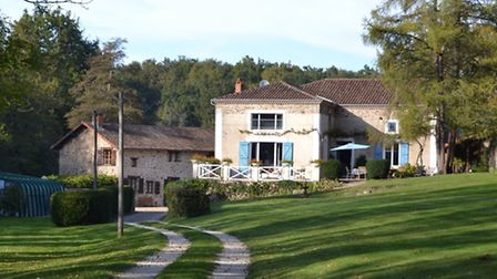 Potential fishing business in Dordogne for 756,000 euros