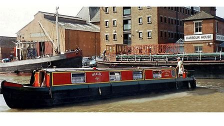 Ken completes a tricky turn in Gloucester Dock
