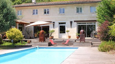 Five-bedroom house next to the Dordogne Rivere for 681,000 euros