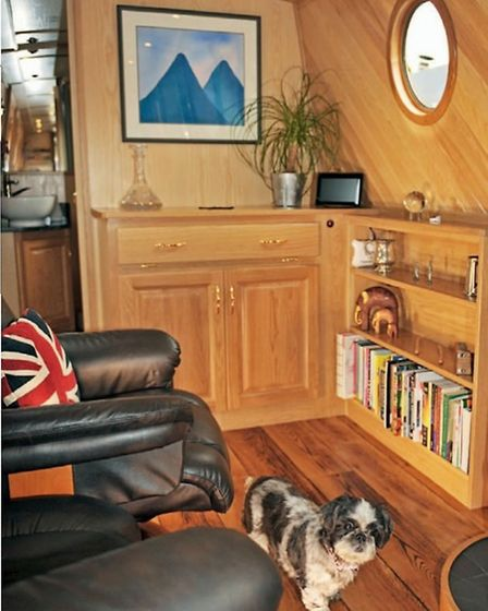 Warm, cosy saloon – and that goes for humans, too