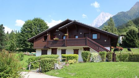 Two-bedroom apartment in Les Houches for 280,000 euros
