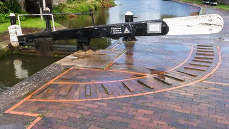 £1 million dredging project on Staffordshire & Worcestershire Canal