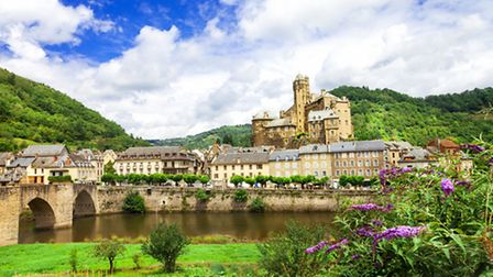 The little village of Estaing in Aveyron and its 13th-century castle ©ThinkstockPhotos