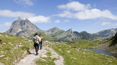 Hiking in the Pyrénées with the Midi d'Ossau in the background ©ThinkstockPhotos