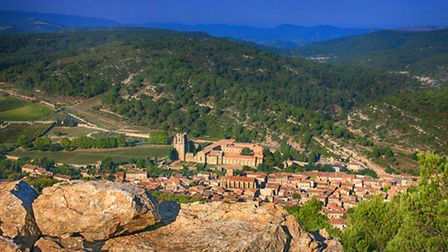 The village and the abbey of Lagrasse © Gilles Deschamps