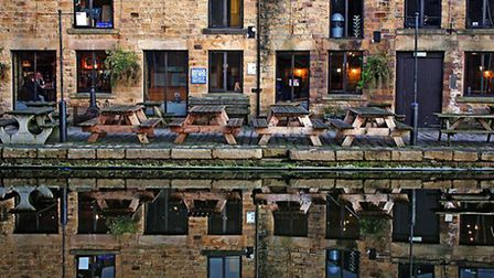 What's your favourite cosy pub on the Lancaster Canal? | Molly - Rose Ives, Flickr CC2.0