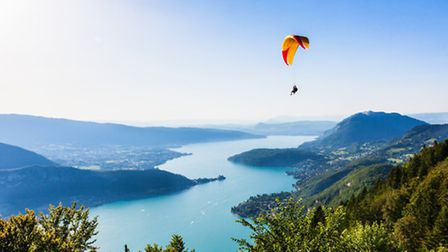 Paragliding over Annecy lake ©Thinkstock