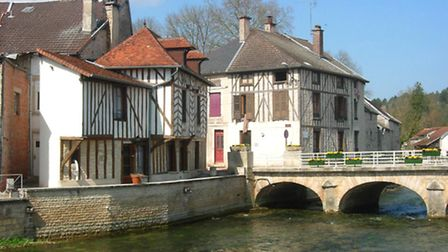 The River Ource going through Essoyes ©Hg marigny