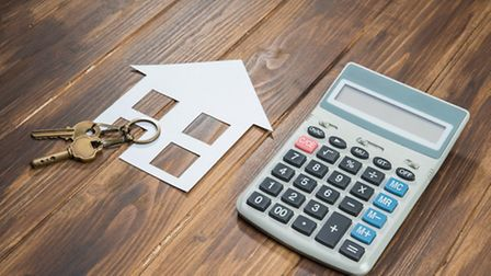 Negotiating the price of a French property © PRImageFactory / Thinkstockphotos