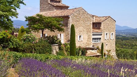 Mas property typical of France © Irakite / Dreamstime