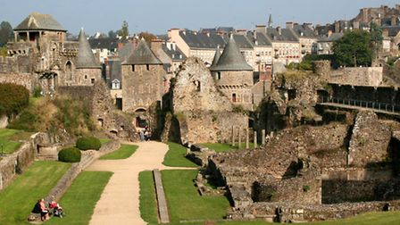 The medieval château in Fougères © jeanphilippe delisle / Fotolia