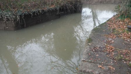 Remains of the lower gates of Jetty Marsh Lock