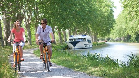 Cycling along the Canal du Midi © ADT AUDE