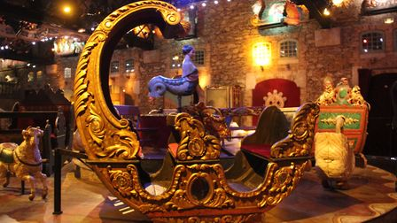 One of several carrousels on display inside the Musée des Arts Forains © Laika CC BY-SA 2.0