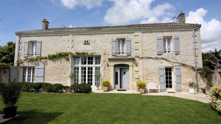 Charentaise farmhouse in Charente from Charente Immobilier