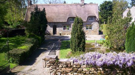 Thatched property in Morbihan from Leggett Immobilier