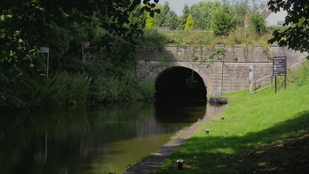 Snarestone, the canal's only tunnel