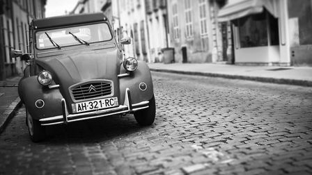 Buying and registering a car in France © istockphoto