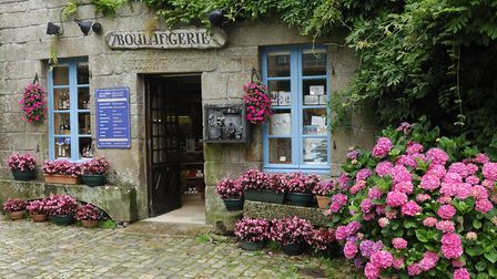 A French boulangerie in Locranon © Yannick Le Gal / Brittany Tourisme