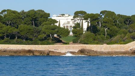 Owner of Chelsea Football Club Roman Abramovich owns this mansion in Cap d'Antibes © Denis David Fli