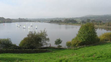 Foulridge Reservoir on the Leeds & Liverpool Canal (photo: Martin Ludgate)