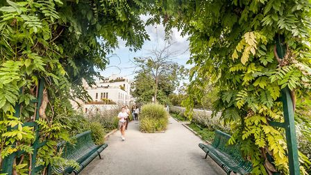 Strolling on the Coulée Verte in the East Village in Paris