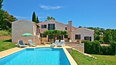 Find a gorgeous home in this hidden part of Var