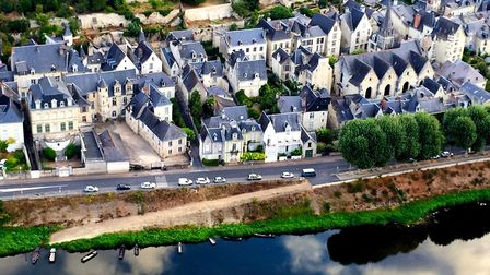 Chinon in the Loire Valley from a hot-air balloon © Oui in France
