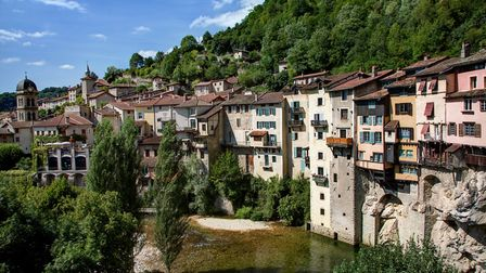 Discover what life is like in the Vercors in the August issue of Living France (c)Thinkstock