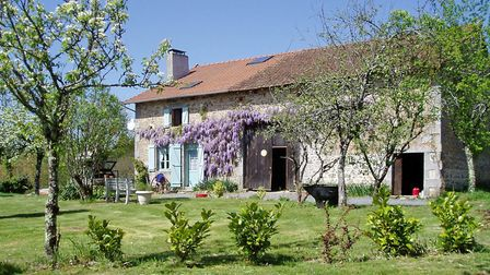 Renovated stone house in Dordogne from Allez-Francais