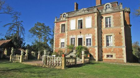 19th-century chateau in Gers from Sifex