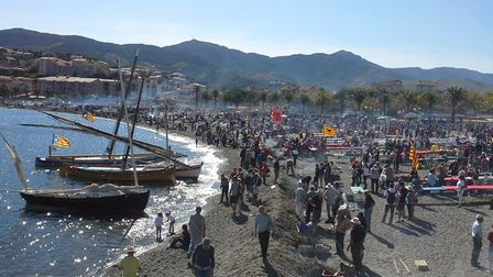 One of the highlights of Fête des Vendanges in Banyuls-sur-Mer is enjoying a meal on the beach