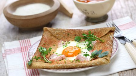Galettes in Brittany © bonchan / ThinkstockPhotos