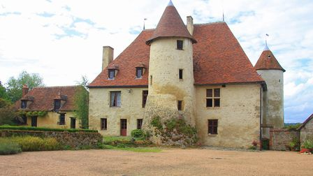 Period chateau in Allier from Sifex
