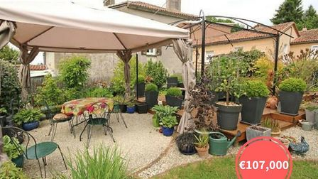 A property with a gorgeous garden in the Périgord-Limousin regional park