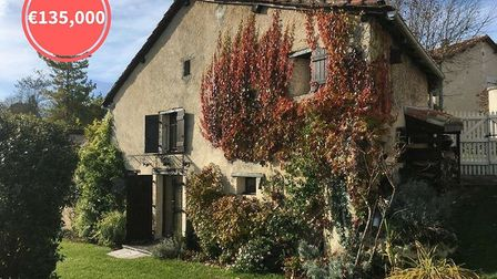 A chance to own a house within a sought-after copropriété