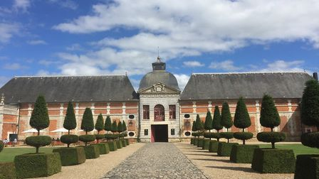 Discover the stunning Chateau du Champ de Bataille in the February 2018 issue of FRANCE Magazine © M