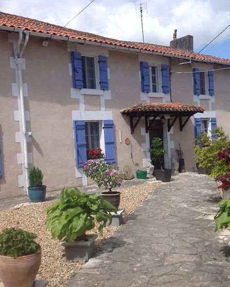 Three-bedroom country house in Dordogne from Property South-West France