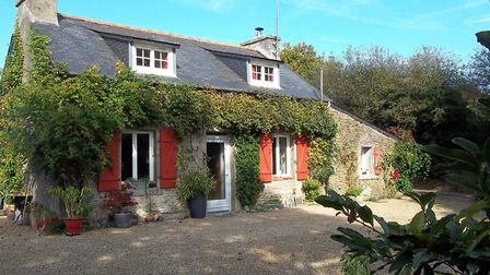 Three-bed cottage in Finistere from La Residence