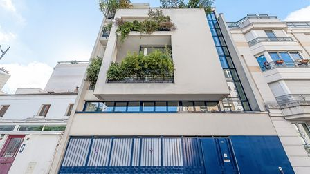 A vast and modern property in the 15th arrondissement in Paris