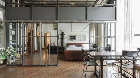 A trendy apartment in an old workshop in Paris