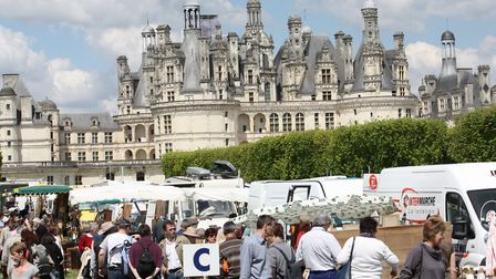 You can't get a grander setting than Chambord's brocante (c) Wikimedia commons