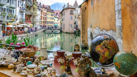 Annecy's brocante is one of the most picturesque © JASCKAL / Fotolia